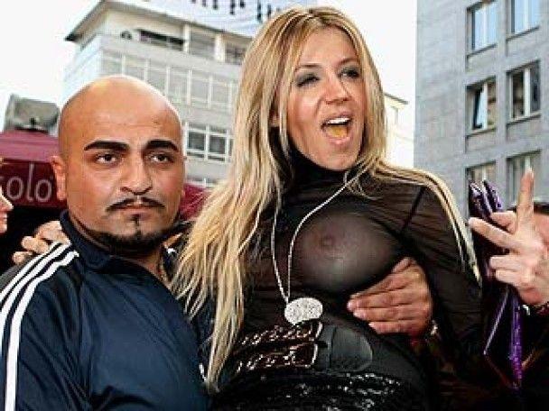 Проститутки та бандити на червоній доріжці в Ессені