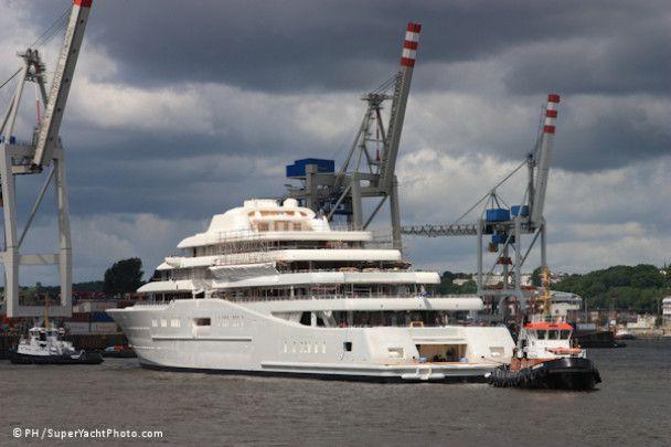 Абрамович нарешті купив найдовшу яхту в світі