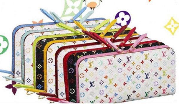 Муракамі та Louis Vuitton створили гаманці