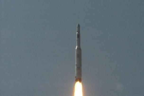 """Північнокорейська ракета """"засвітилася"""" на фото і телебаченні"""