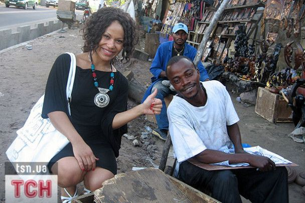 Гайтана повернулась з Конго, де була в гостях у батька