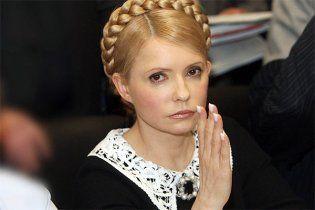 Тимошенко запевняє, що живе на заощадження