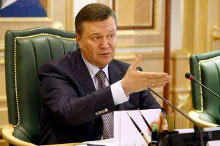 Янукович: російські підводні човни в Україні - це домисли