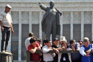 В організації бунту в Киргизії запідозрили Чорного Айбека