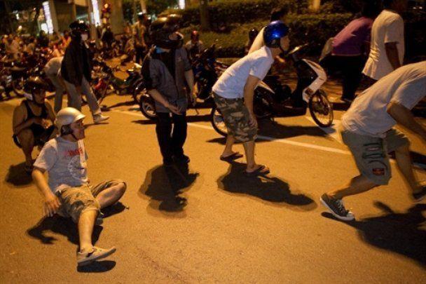 Лідеру опозиції Таїланду вистрілили в голову під час інтерв'ю