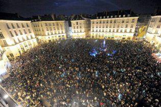 Вуличні вечірки пройшли у Франції: одна людина загинула, десятки госпіталізовані