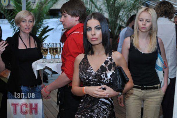 Дружина Шовковського презентувала шкіряний одяг для модниць