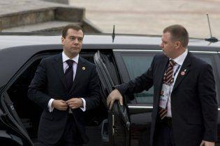 Мєдвєдєва возять на авто, яке витримує постріл з будь-якого виду стрілецької зброї