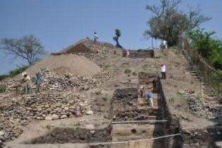 Знайдено найдавнішу поховальну піраміду Америки