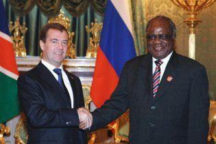 Мєдвєдєв: Росія повертається в Африку