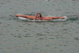 Плавець-рекордсмен на Водохреща переплив Севастопольську бухту