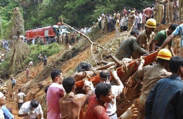 Виявлені тіла всіх загиблих у катастрофі Boeing 737 в Індії