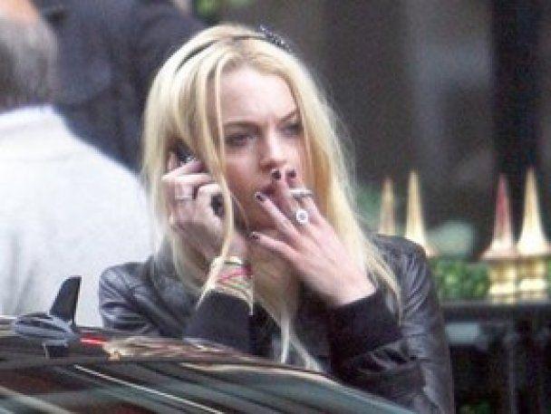 "Суд зобов'язав Ліндсей Лохан носити ""антиалкогольний браслет"""