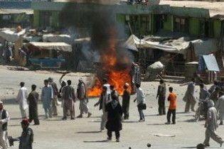 Більше 100 мирних афганців загинули під американськими бомбами