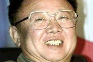 Ким Чен Ир теряет сознание с апреля