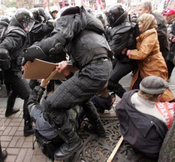Акція протесту проти визнання УПА