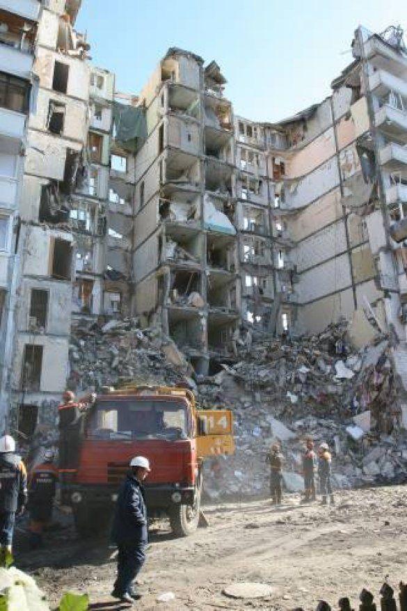 Зруйнований будинок у Дніпропетровську