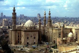 В Каире неизвестный бросил в синагогу бутылку с зажигательной смесью