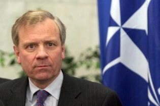 НАТО: Грузия должна продолжать демократические реформы