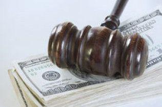 Суддів-хабарників позбавлятимуть волі довічно