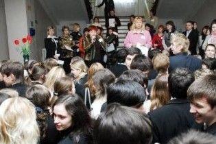 Абитуриенты массово проигнорировали тестирование по украинскому языку