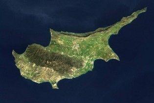 Росія викреслить Кіпр зі списку офшорів