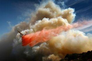 Через пожежу в Каліфорнії оголошено надзвичайний стан (відео)