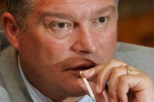 Червоненку не дають займатися справами Євро-2012
