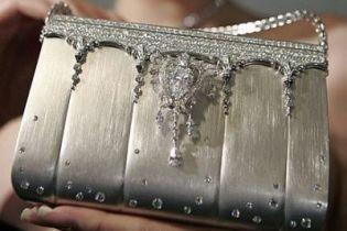 У Києві влаштували розпродаж гламурних сумочок (відео, оновлено)
