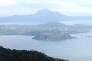 В результаті тропічного шторму Jolina на Філіппінах загинуло 22 людини