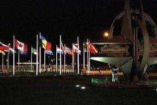 НАТО обеспечит безопасность миссиям ЕС и ООН в Косово