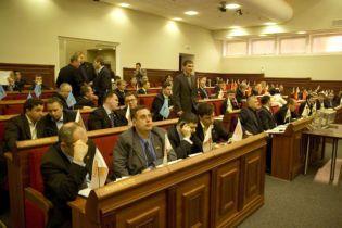 БЮТ погрожує столичному меру судом
