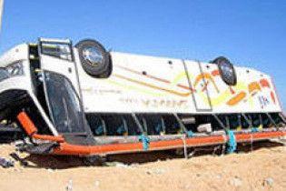 У Туреччині перекинувся автобус з туристами. 26 поранених