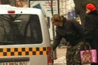 В Житомире хоронили таксиста (видео)