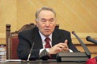 Назарбаєв пропонує прорити новий канал