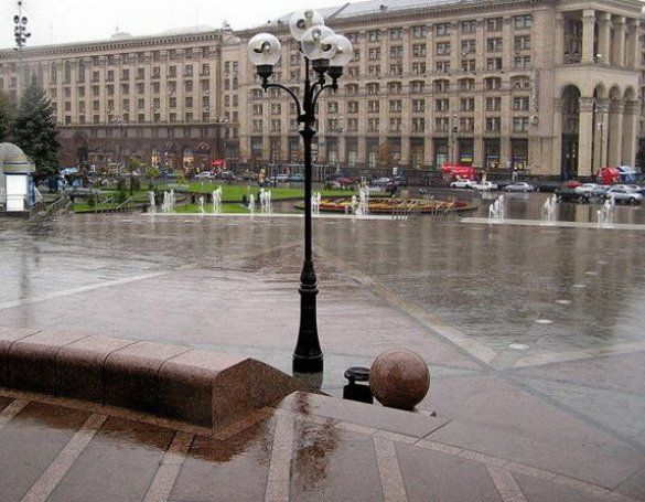 Майдан Незалежності (Фото: www.ukrcenter.com)