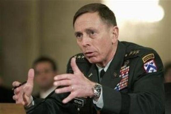 Генерал Девід Петреус, командувач військами США в Іраку (Фото: news.yahoo.com)