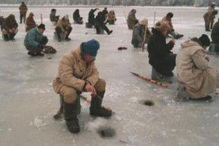 На Каховському водосховищі пропали двоє рибалок