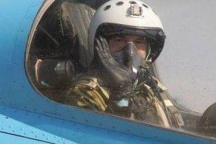 """Ющенко """"політав"""" на тренажері та """"знищив"""" кількох ворогів"""