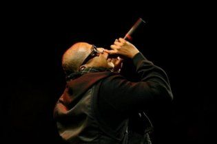 Jay-Z вибачився перед фанами U2