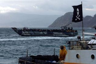 В Украину возвращаются моряки, которые были в пиратском плену (видео)