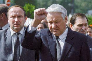 Охранник Ельцина рассказал, как Абрамович носил в Кремль чемоданы с долларами