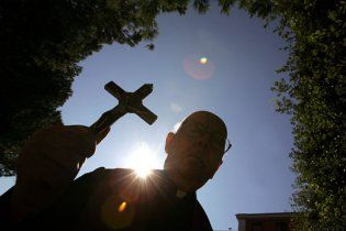 Священик вкрав у прихожан 370 тисяч доларів