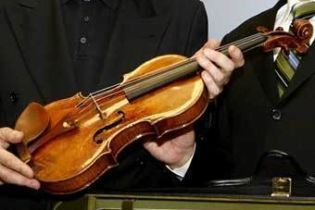 Скрипка повернулася
