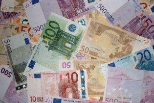 На міжбанку подешевшав євро