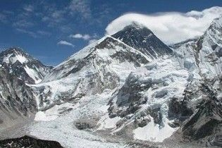 Уряд Непалу проведе засідання на Евересті
