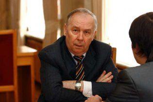 Регіонал побоюється, що українці піднімуться й усе позабирають