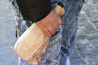 За розпивання пива в пакеті українцям виписуватимуть подвійний штраф