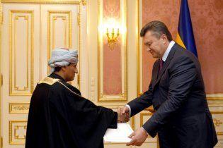 Янукович принял верительные грамоты от послов семи государств