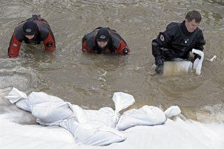 Сильна повінь в Східній Європі забрала життя трьох людей